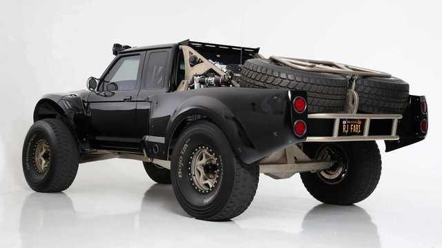 Ford Ranger độ khét nhất thế giới: Chi phí 8 tỷ đồng, gần 5 năm hoàn thiện, cân mọi địa hình - Ảnh 2.