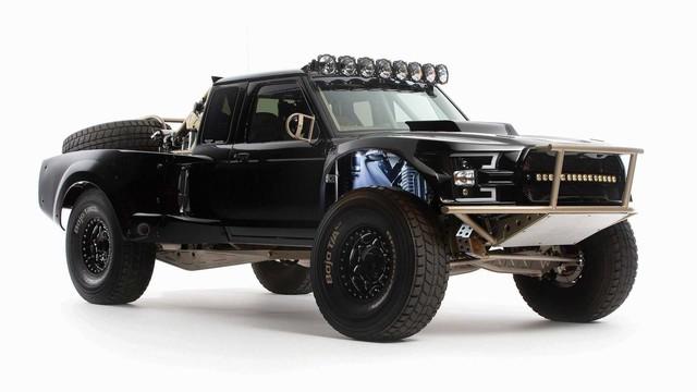 Ford Ranger độ khét nhất thế giới: Chi phí 8 tỷ đồng, gần 5 năm hoàn thiện, cân mọi địa hình - Ảnh 1.