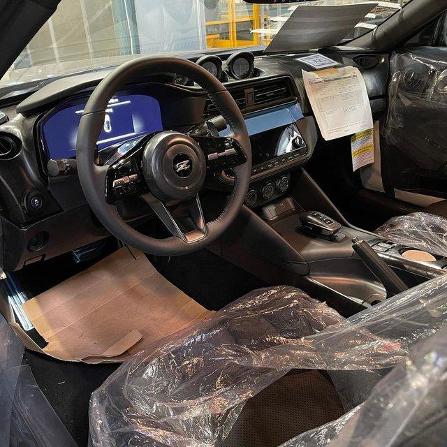Nissan 400Z lộ diện không che chắn: Xe thể thao giá mềm cho đại gia mới nổi? - Ảnh 4.