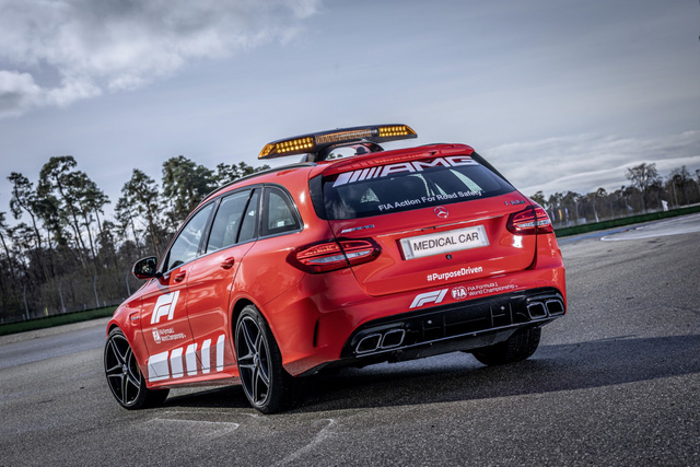Ngắm bộ đôi Mercedes-AMG làm xe an toàn và xe y tế của giải đua F1 - Ảnh 11.