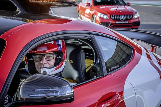 Ngắm bộ đôi Mercedes-AMG làm xe an toàn và xe y tế của giải đua F1 - Ảnh 12.