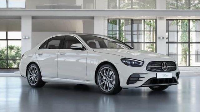 Mercedes-Benz E-Class 2021 lộ diện trần trụi tại đại lý trước ngày ra mắt: Thay đổi lớn đấu BMW 5-Series - Ảnh 6.