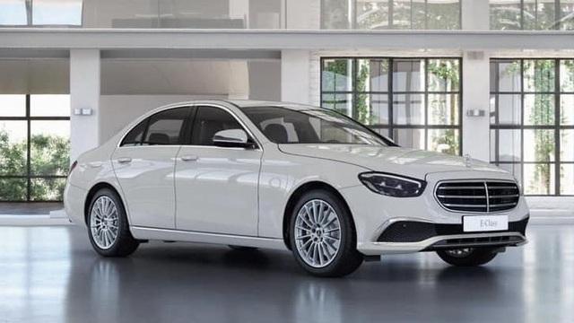 Mercedes-Benz E-Class 2021 lộ diện trần trụi tại đại lý trước ngày ra mắt: Thay đổi lớn đấu BMW 5-Series - Ảnh 4.