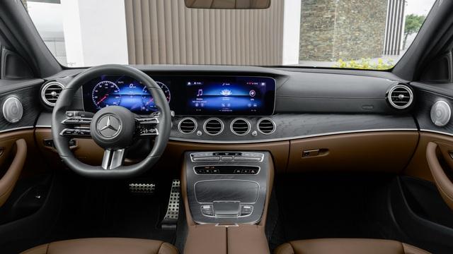 Mercedes-Benz E-Class 2021 lộ diện trần trụi tại đại lý trước ngày ra mắt: Thay đổi lớn đấu BMW 5-Series - Ảnh 7.