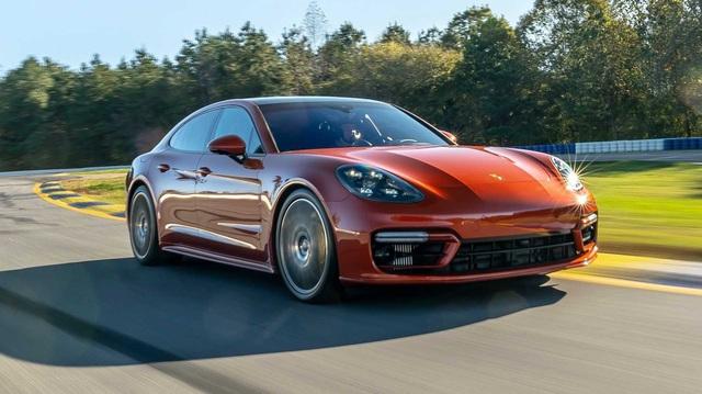 Porsche úp mở về tương lai Panamera, thừa nhận chưa thể vì Taycan mà bỏ xe động cơ đốt trong