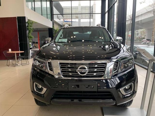 Nissan Navara giảm giá tất tay tại đại lý, dọn kho đón phiên bản 2021 ra mắt tại Việt Nam trong năm nay - Ảnh 2.