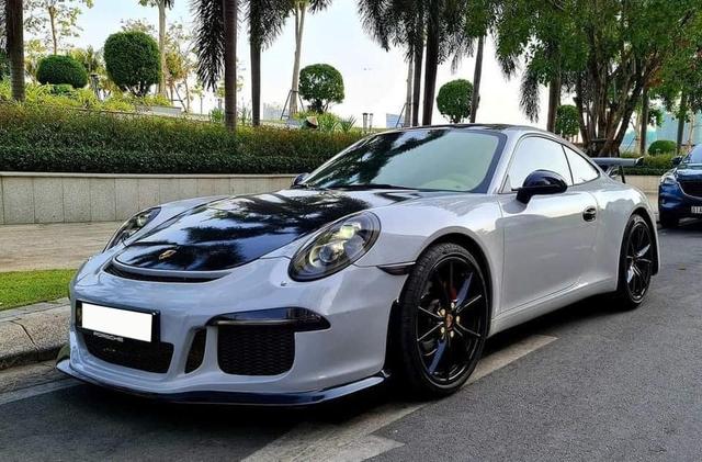 Huyền thoại Porsche 911 được rao bán 4 tỷ đồng dù chạy chỉ chạy 5.000km mỗi năm - Ảnh 1.