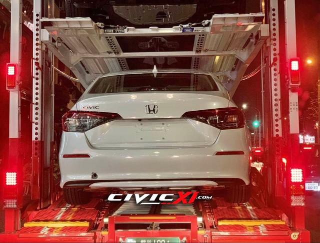 Honda Civic đời mới lộ loạt ảnh cận cảnh trên đường tới đại lý: Người khen đẹp, người chê xấu - Ảnh 3.