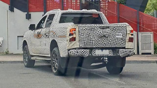 Ford Ranger Wildtrak mới lộ ảnh chạy thử, ra mắt đầu năm sau - Ảnh 1.