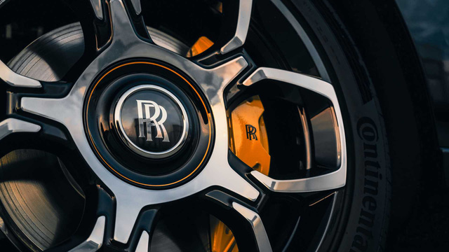 Sếp Google tung tiền tậu Rolls-Royce Cullinan Black Badge độc nhất vô nhị, giá gấp đôi bản thường - Ảnh 3.