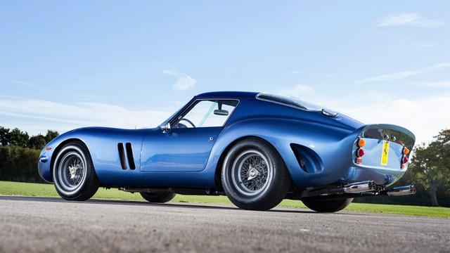 Mẫu siêu xe Ferrari này là minh chứng của câu nói 'đắt như vàng' - Ảnh 1.