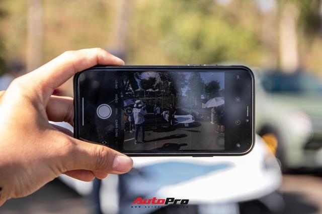 Phản ứng của người dân khi thấy dàn xe hơn 100 tỷ đồng của ông Đặng Lê Nguyên Vũ: Bugatti Veyron chiếm trọn spotlight - Ảnh 3.