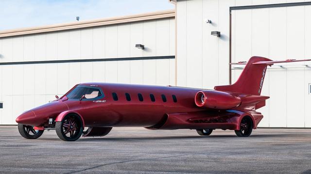 Limo lai máy bay đầu tiên thế giới: Giá không dưới 115 tỷ, hát karaoke trên trời, tặng kèm xe bán tải