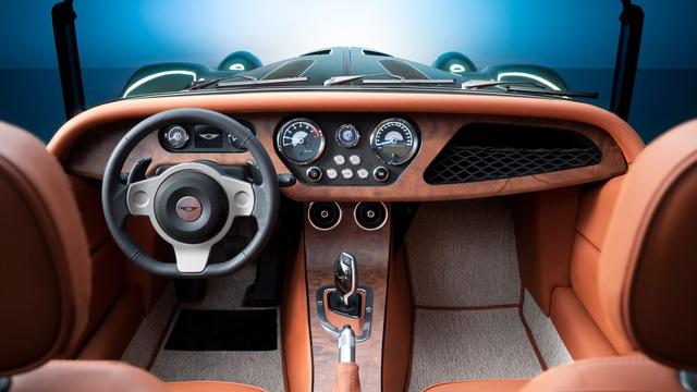 Morgan Plus Six 2021 chào hàng đại gia Việt: Giá hơn 8 tỷ, vỏ xe cổ, ruột BMW với động cơ Z4 M mạnh mẽ - Ảnh 4.