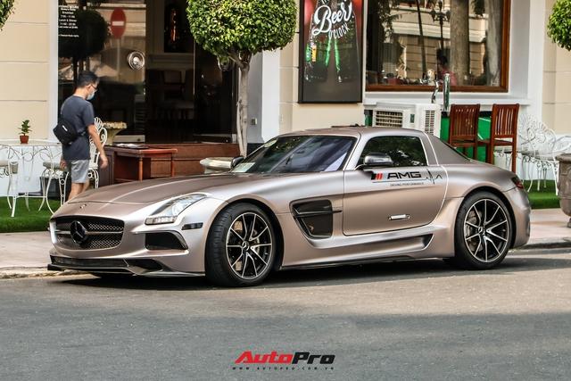 Cận cảnh siêu xe cánh chim Mercedes-AMG SLS vừa về Việt Nam, bộ tem Sport mind gây tranh cãi - Ảnh 3.