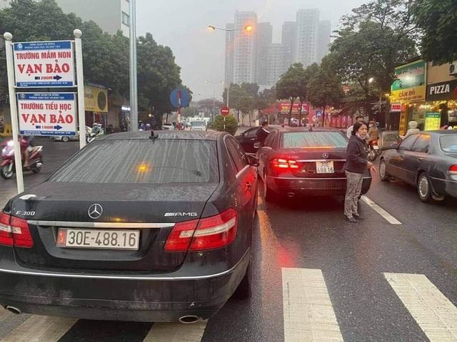 Màn 'chạm mặt' khó tin của dàn ô tô trùng biển số, ly kỳ nhất vụ 2 xe Audi trùng cả giấy tờ