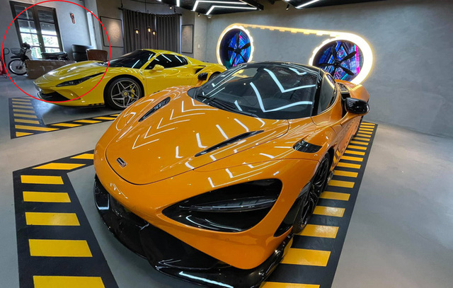 Gara ô tô chật ních siêu xe của nữ doanh nhân cà phê bỗng xuất hiện một Honda Dream lạc lõng - Ảnh 3.
