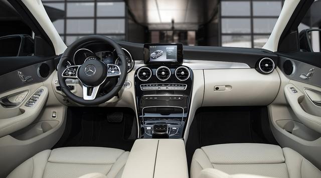 Mercedes C 180 AMG giá 1,5 tỷ tại VN: Thêm 100 triệu để như C 300, vẫn động cơ nhỏ nhưng có một điểm thay đổi vận hành - Ảnh 3.