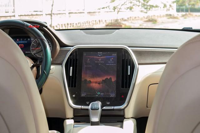 Đổi từ Mercedes-Benz GLC sang VinFast Lux SA2.0, giám đốc 8X đánh giá: Hơn vận hành, thua hoàn thiện, cần thêm tính năng an toàn - Ảnh 10.