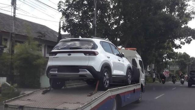 Lộ Kia Sonet 2021 trên đường Việt Nam: Xe gầm cao giá rẻ lắp ráp trong nước, đàn em vua doanh số Seltos - Ảnh 2.