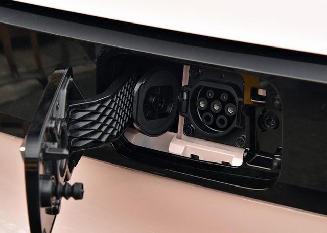 Chiếc ô tô điện giá hơn 100 triệu phá đảo doanh số, 2 phút có 1 xe xuất xưởng - Ảnh 10.