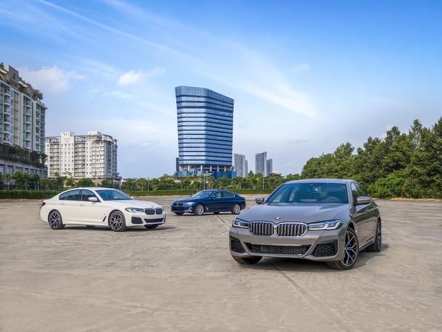 Ra mắt BMW 5-Series 2021 tại Việt Nam: Giá từ 2,5 tỷ, bạt ngàn công nghệ cạnh tranh Mercedes-Benz E-Class - Ảnh 6.
