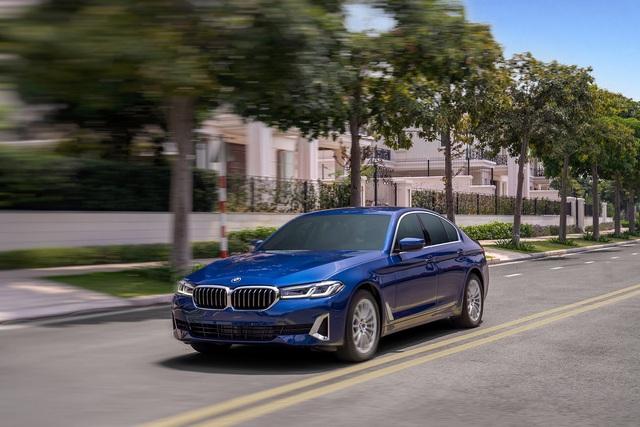 Đây là khác biệt 3 bản BMW 5-Series 2021 vừa ra mắt Việt Nam: Mua 530i M Sport, hay chọn 520i Luxury để tiền dư mua thêm Kia Seltos - Ảnh 2.