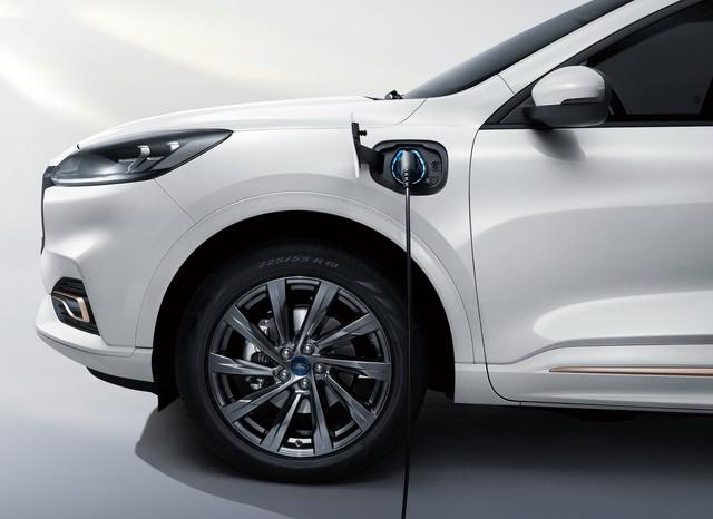 Ra mắt Ford Evos - SUV của Mondeo được người Việt mong chờ - Ảnh 7.