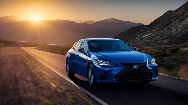 Lexus ES 2022 ra mắt: Bổ sung phiên bản, trang bị mới đấu Mercedes-Benz E-Class, BMW 5-Series khi về nước