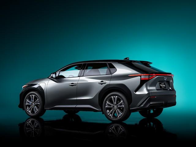 SUV mới của Toyota ngang RAV4 sẽ ra mắt ngay năm nay: Hết nói Toyota thiết kế nhàm chán  - Ảnh 2.