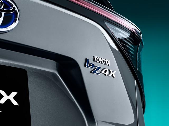 Ra mắt Toyota bZ4X concept - RAV4 chạy điện, tương lai của Toyota - Ảnh 8.