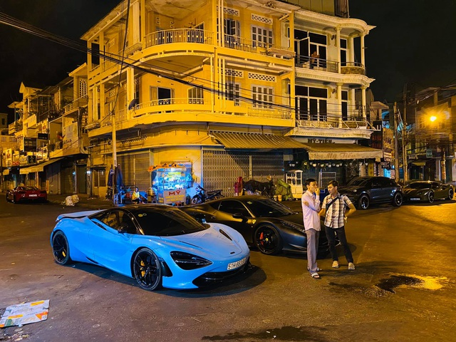 Hội chơi siêu xe Evo Team tổ chức xuyên Việt, có cả sự góp mặt của dân chơi lan đột biến - Ảnh 6.