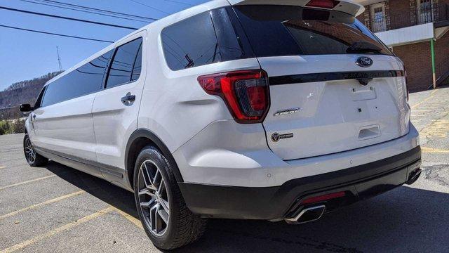 Ford Explorer độ limousine không giống ai: Giữ nguyên hàng ghế 2 và 3, rao bán bán giá quy đổi gần 1,4 tỷ đồng - Ảnh 3.