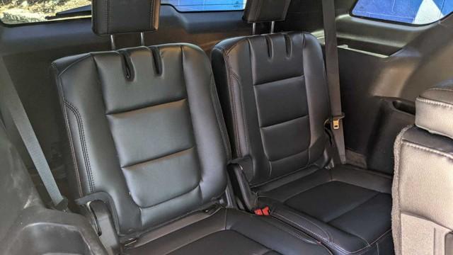 Ford Explorer độ limousine không giống ai: Giữ nguyên hàng ghế 2 và 3, rao bán bán giá quy đổi gần 1,4 tỷ đồng - Ảnh 9.