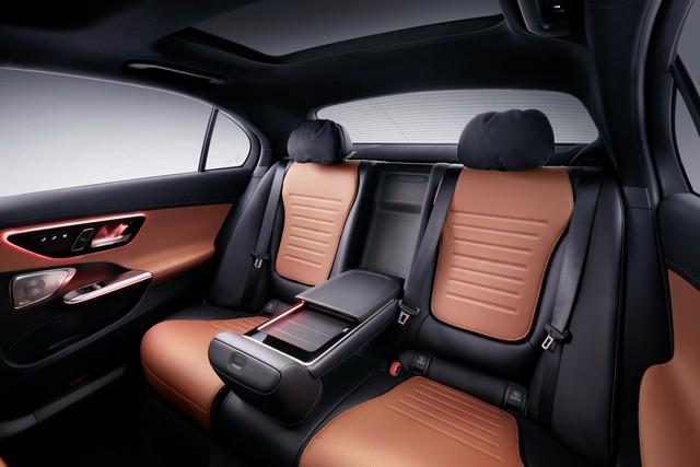 Mercedes-Benz C-Class L ra mắt: 'Mini Maybach' cho đại gia Trung Quốc? - Ảnh 4.