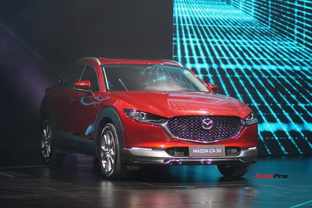 Đánh giá nhanh Mazda CX-30 tại Việt Nam: 2 phiên bản, giá cao nhất gần 900 triệu, đấu Toyota Corolla Cross - Ảnh 3.