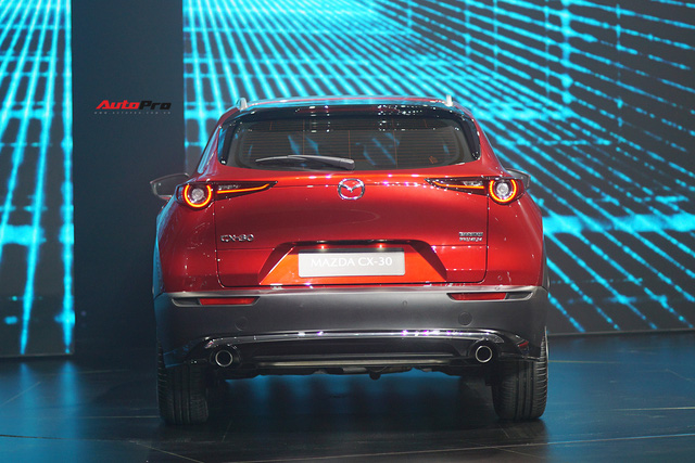 Đánh giá nhanh Mazda CX-30 tại Việt Nam: 2 phiên bản, giá cao nhất gần 900 triệu, đấu Toyota Corolla Cross - Ảnh 7.