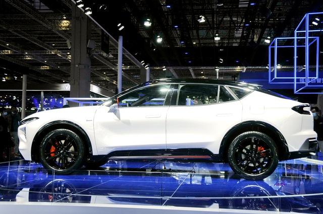 Ford Evos - Gầm cao của Mondeo sẽ không được bán tại Việt Nam - Ảnh 3.