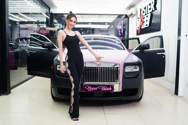 Ngọc Trinh khoe Rolls-Royce Ghost phiên bản Black Pink độc nhất Việt Nam, tiện rao bán Mercedes-Maybach S500 giá 6,5 tỷ đồng - Ảnh 5.