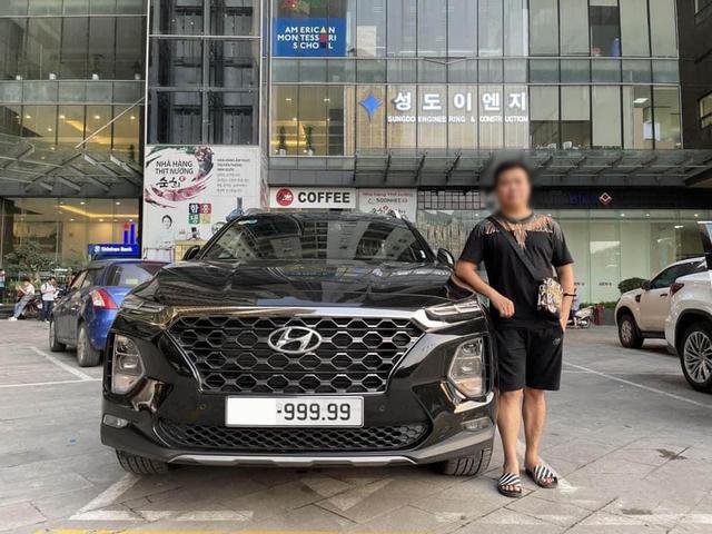 Hyundai Santa Fe đội giá lên gần 4 tỷ đồng sau khi chủ xe bấm biển ngũ quý 9 - Ảnh 1.