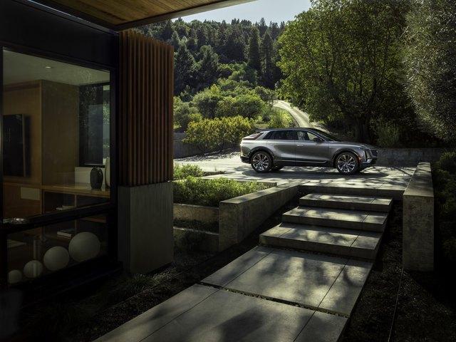 Cadillac Lyriq chính thức có bản hoàn chỉnh với giá quy đổi từ 1,38 tỷ đồng - Ảnh 3.