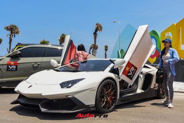 Bị bong gân, hot girl 9x vẫn lái Lamborghini Aventador thoăn thoắt từ Sài Gòn đến Mũi Né - Ảnh 2.