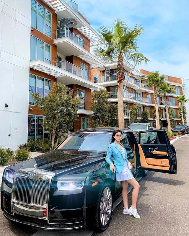 """Rolls-Royce đã tạo nét trên """"đường đua"""" đẳng cấp của hội con nhà giàu Việt như thế nào? - Ảnh 1."""