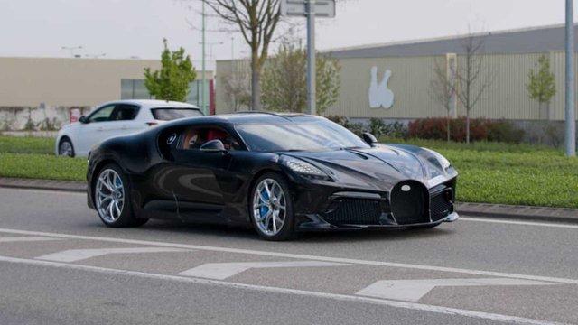Siêu phẩm độc nhất vô nhị Bugatti La Voiture Noire lần đầu lộ diện ngoài đời thực - Ảnh 1.