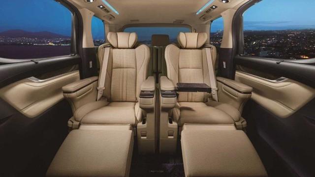 Xe chủ tịch Toyota Crown có thêm bản minivan, giá quy đổi từ 3,2 tỷ đồng - Ảnh 4.