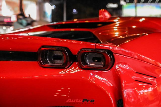 Ferrari SF90 Stradale đầu tiên Việt Nam của đại gia chơi lan Sài Gòn lần đầu lên phố, tụ tập cùng một loạt siêu xe tiếng tăm khác - Ảnh 7.