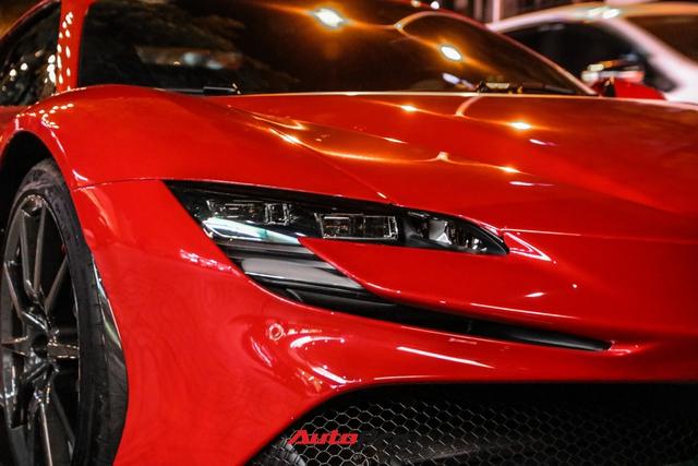 Ferrari SF90 Stradale đầu tiên Việt Nam của đại gia chơi lan Sài Gòn lần đầu lên phố, tụ tập cùng một loạt siêu xe tiếng tăm khác - Ảnh 6.