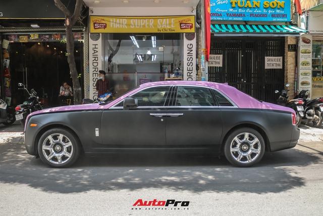 Mặc kệ drama, Ngọc Trinh mang Rolls-Royce Ghost bản Black Pink siêu độc lên phố chơi cuối tuần - Ảnh 7.