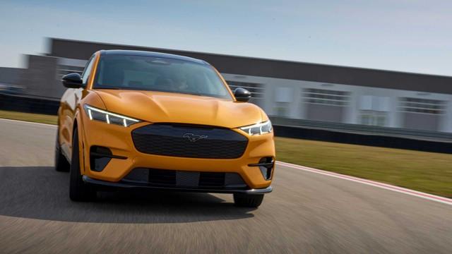 Đỉnh cao SUV điện Ford Mustang Mach-E GT chính thức mở bán, giá khởi điểm ngang BMW X5 - Ảnh 2.