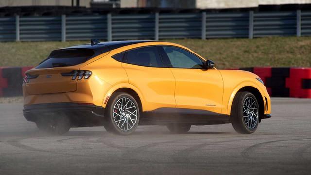 Đỉnh cao SUV điện Ford Mustang Mach-E GT chính thức mở bán, giá khởi điểm ngang BMW X5 - Ảnh 3.
